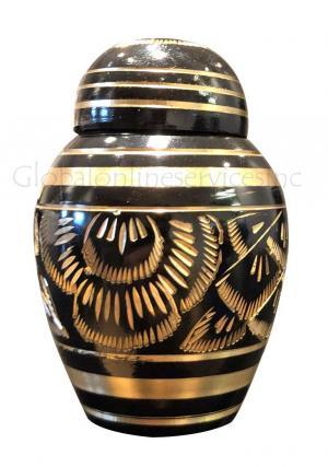 Keepsake urns for ashes